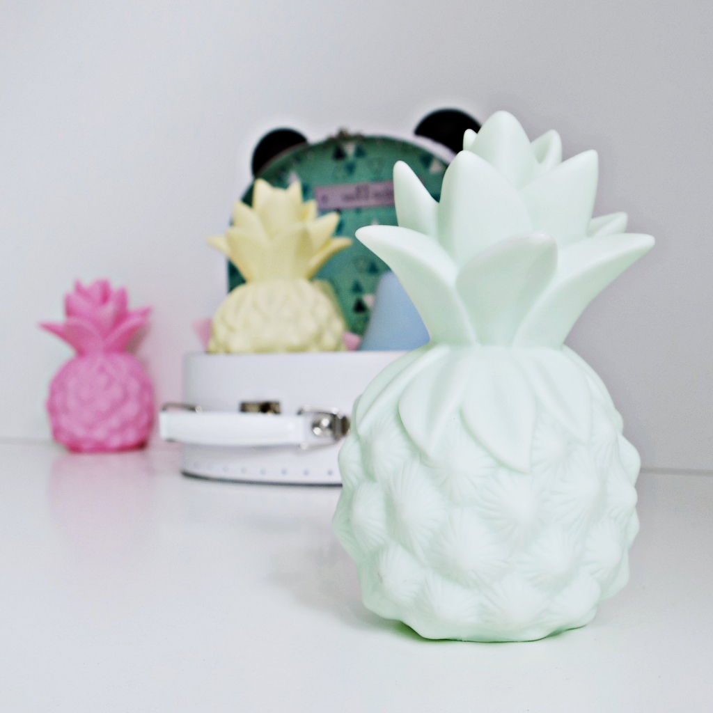 cottonovelove Dětská LED lampička Ananas - různé barvy Varianta růžová, Počet bal. 1